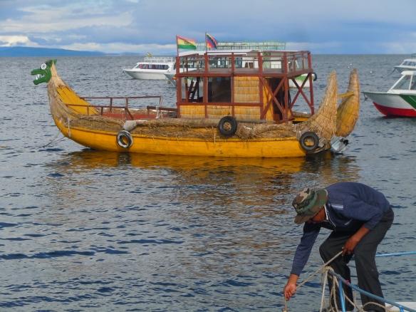 Barcos Típicos do Lago Titicaca, Bolívia