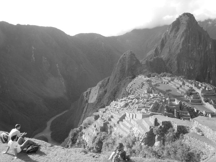 Curtindo o entardecer em Machu Picchu, Peru.