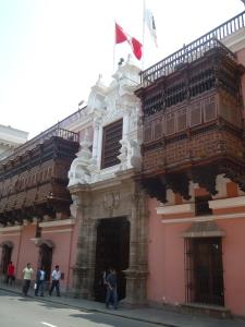 Casas-Coloniais-Centro-Historico-Lima-Peru
