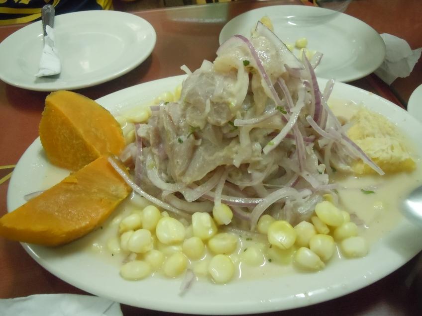 Ceviche-prato-tipico-peruano-Lima-Peru
