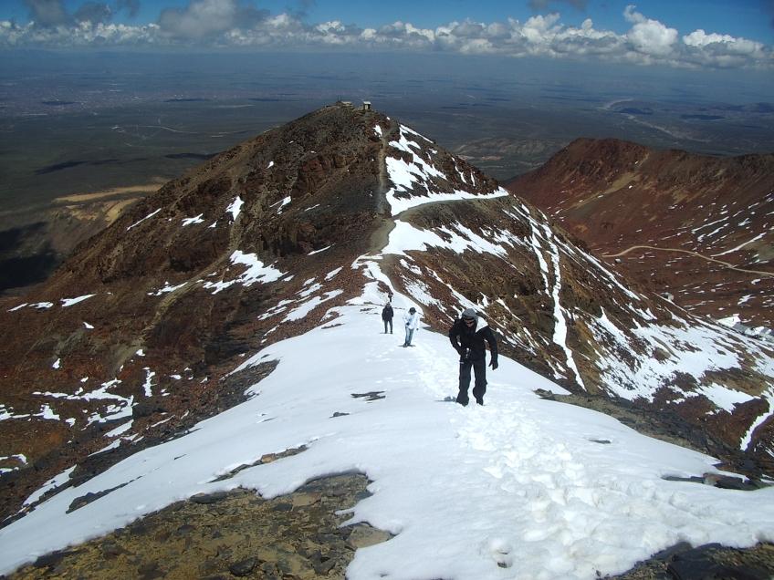 Chacaltaya-La-Paz-Bolivia-Chegando-Topo