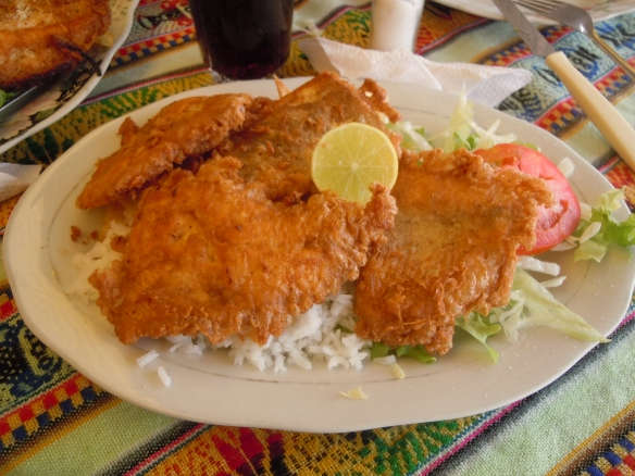 Chicharron-de-Trucha-Copacabana-Bolivia-Lago-Titicaca
