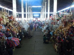 Mercado-San-Pedro-Cusco-Peru