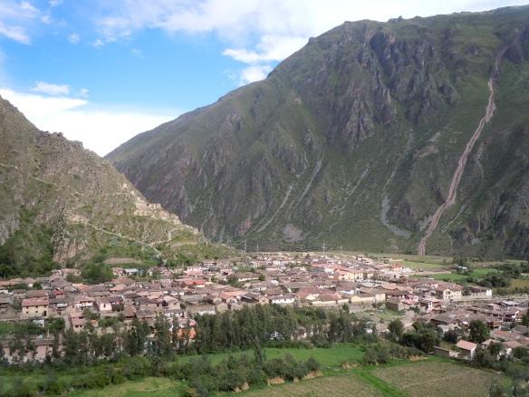Ollantaytambo-Ruinas-Valle-Sagrado-Cusco-Peru-Panoramica