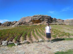 Pedra-Sagrada-Isla-del-Sol-Bolivia-Lago-Titicaca-Copacabana-Roca-Sagrada